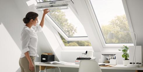 Velux Klapp-Schwing-Fenster SEA LP